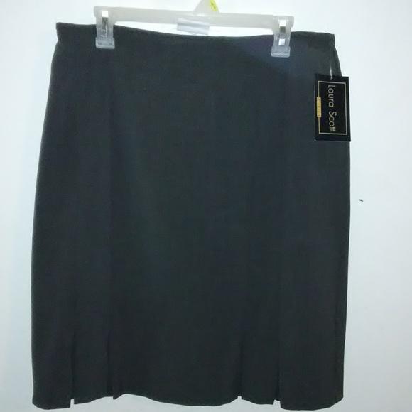 Laura Scott Dresses & Skirts - Laura Scott pleated skirt.
